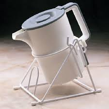 this image shows a kettle cradle.